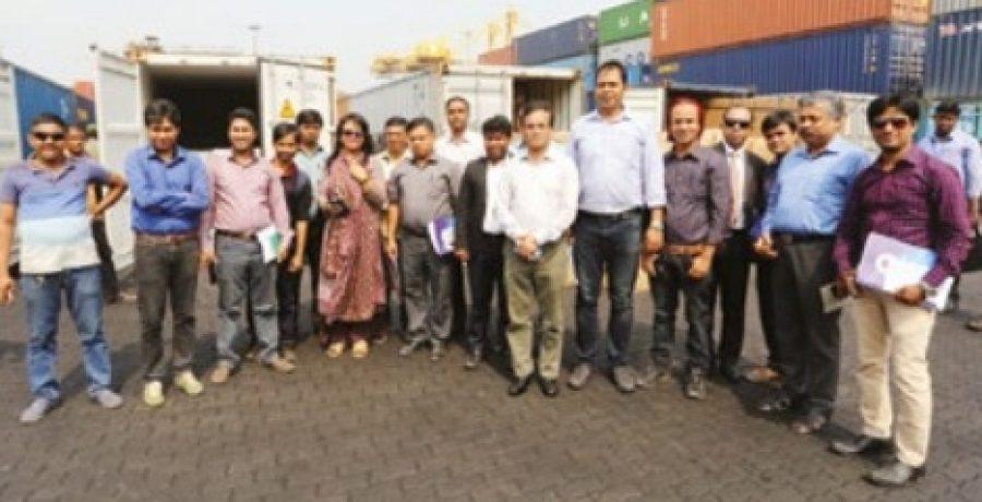 চট্টগ্রাম সমুদ্র বন্দর পরিদর্শনে ইকোনমিক রিপোর্টার্স ফোরামের প্রতিনিধি দল